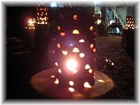 陶器越しの灯り